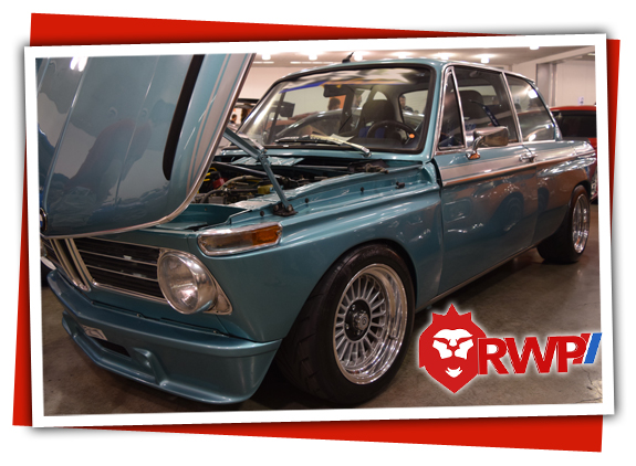 BMW 2002 sea blue